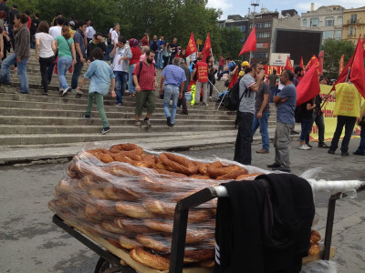 Simit and Protestors in Taksim Square, photo by Ansel Mullins
