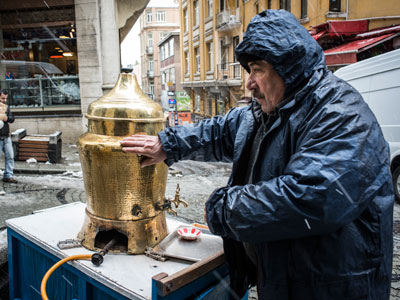 Salep vendor Huseyin bey, photo by Monique Jaques